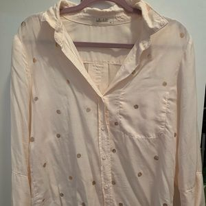 Bella Dahl pink button down with gold dots